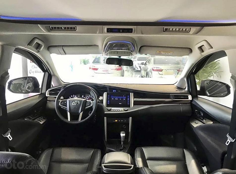 Cần bán Toyota Innova 2020, màu đen chính chủ (3)