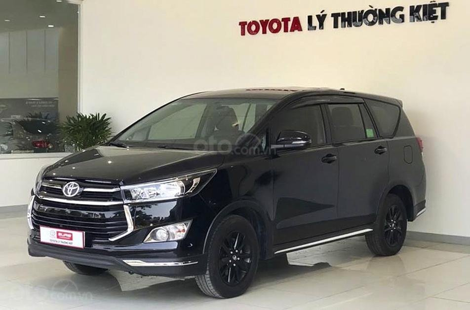 Cần bán Toyota Innova 2020, màu đen chính chủ (1)