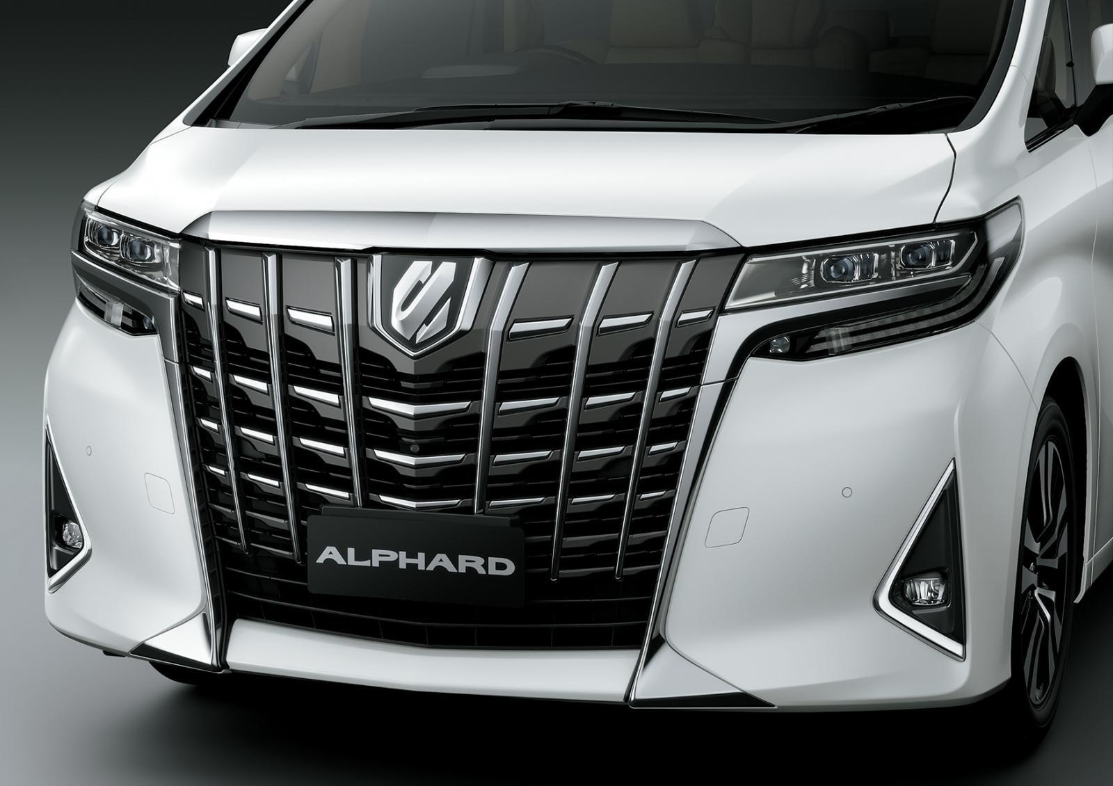 Phần đầu Toyota Alphard 2021 có nhiều điểm giống xe Lexus 1