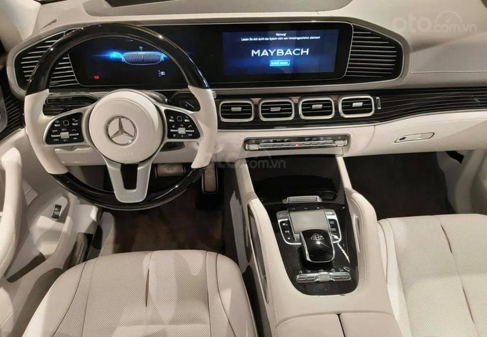 Mercedes-Benz GLS600 Maybach trắng kem 2021, mới 100%, giao xe ngay tháng (5)