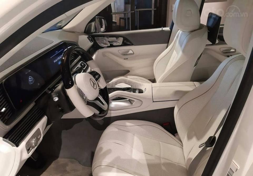 Mercedes-Benz GLS600 Maybach trắng kem 2021, mới 100%, giao xe ngay tháng (9)