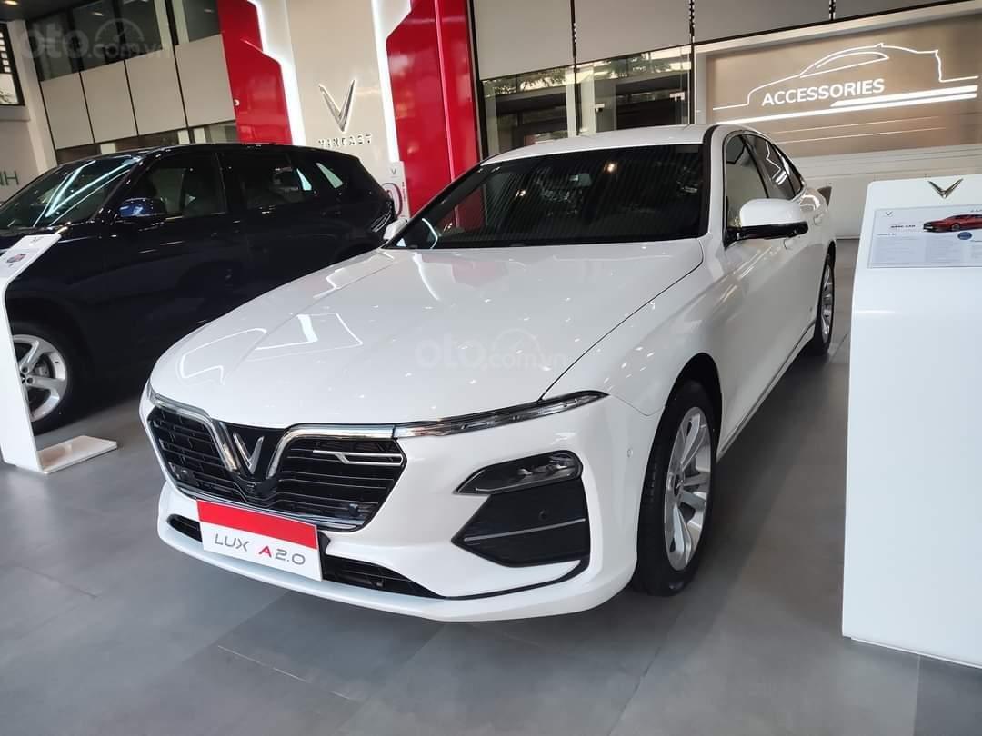 Vinfast Lux A ưu đãi hơn 300tr, sẵn xe giao ngay, hỗ trợ 100% thuế trước bạ, vay tối đa 90% (2)