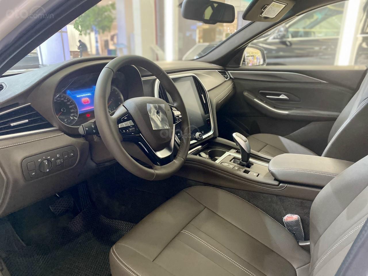 Vinfast Lux A ưu đãi hơn 300tr, sẵn xe giao ngay, hỗ trợ 100% thuế trước bạ, vay tối đa 90% (7)