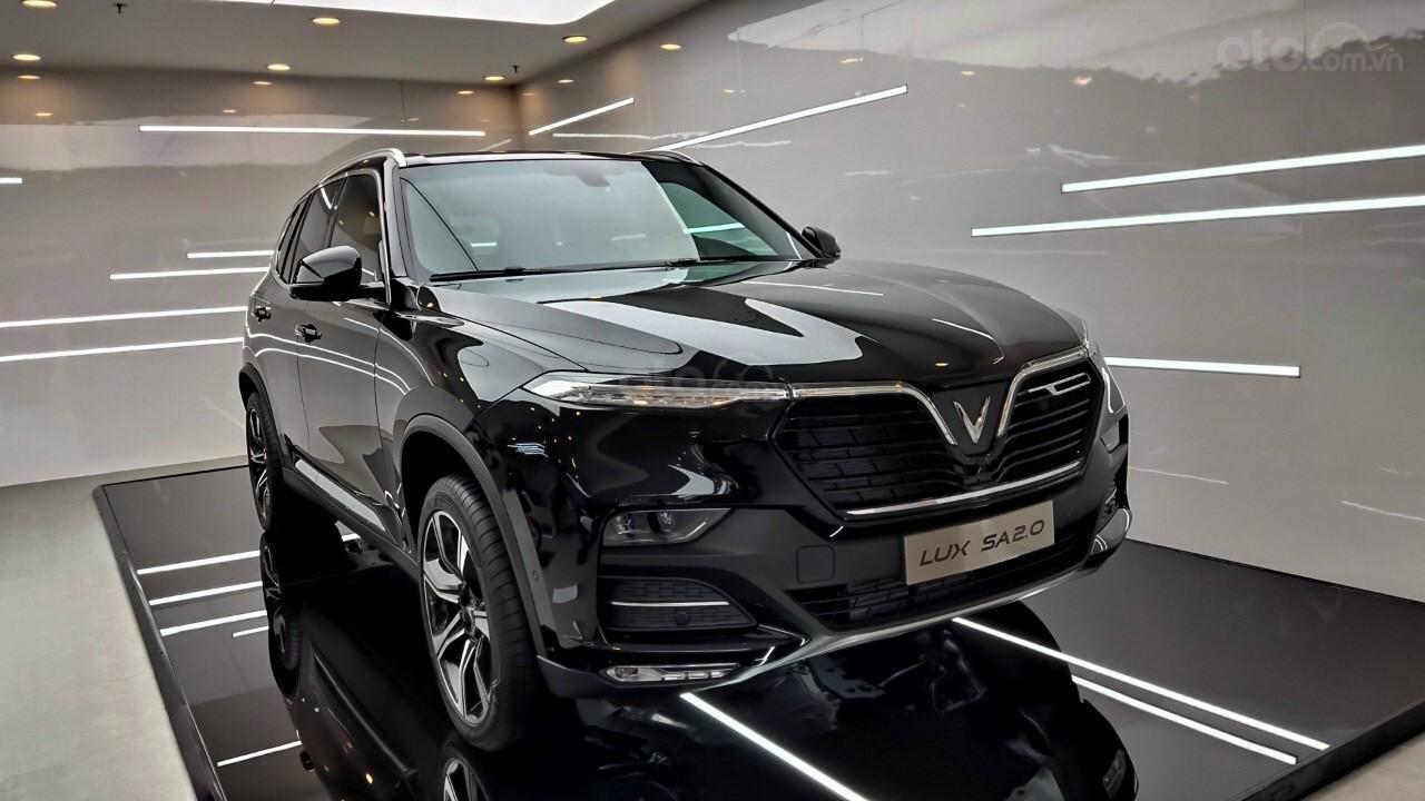 Vinfast Lux SA2.0 sẵn xe giao ngay, ưu đãi hơn 500tr, thuế 0đ, trả góp 90% (3)