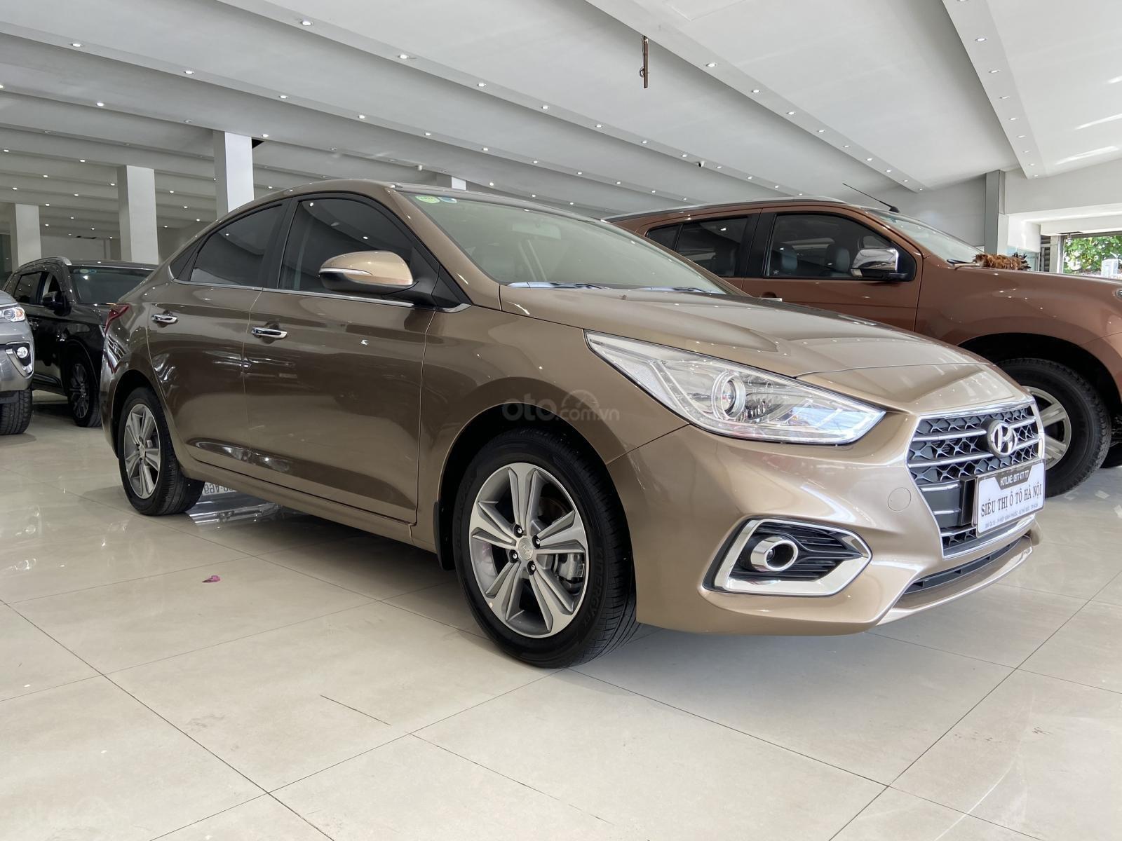 Bán xe Hyundai Accent màu vàng, bản đặc biệt siêu đẹp. (3)