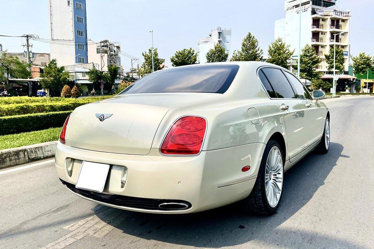 Thiết kế đuôi xe Bentley Continental Flying Spur Speed 2009 1