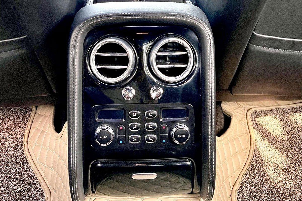 Cửa gió điều hòa trên xe Bentley Continental Flying Spur Speed 2009 1