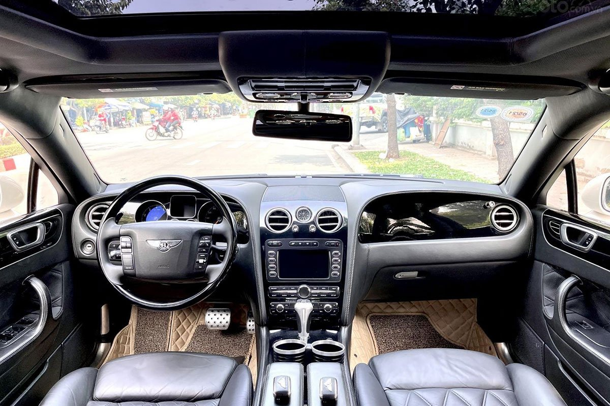 Không gian khoang cabin xe Bentley Continental Flying Spur Speed 2009 1