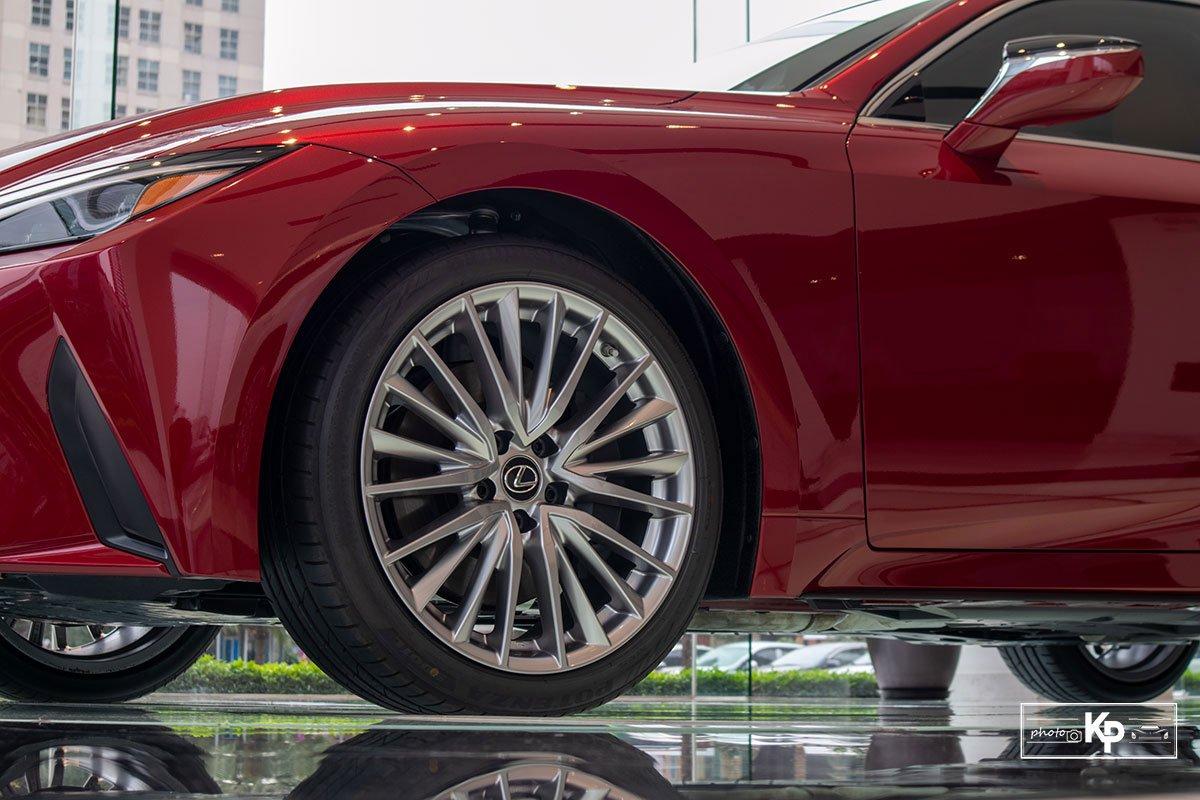 Ảnh La-zăng xe Lexus IS 300 2021
