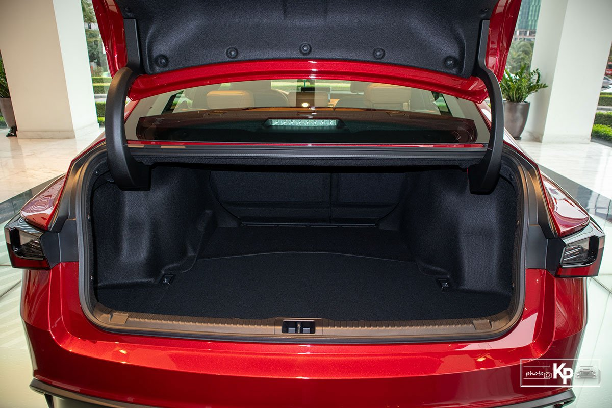 Ảnh Cốp xe Lexus IS 300 2021