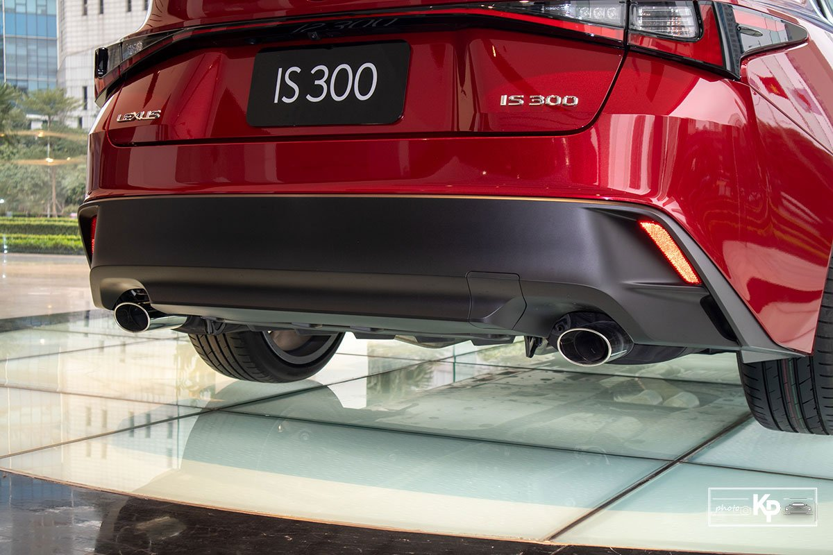 Ảnh Cản sau xe Lexus IS 300 2021