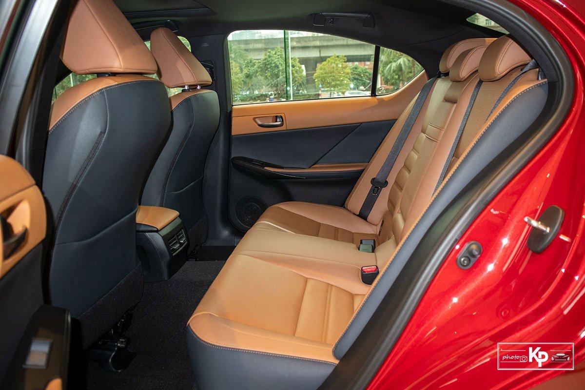 Ảnh Ghế sau xe Lexus IS 300 2021