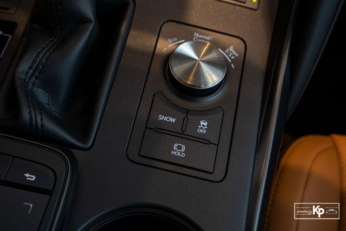 Ảnh Chế độ lái xe Lexus IS 300 2021