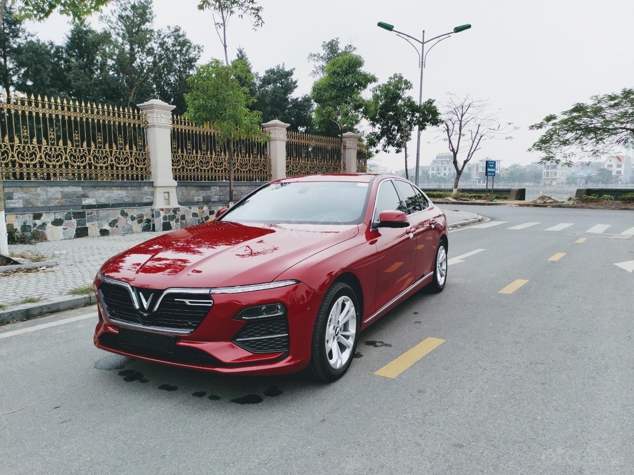 VinFast Lux A 2.0 2021 ưu đãi trên 300tr, hỗ trợ vay 90%, đủ màu, xe sẵn giao ngay, thuế 0đ (2)