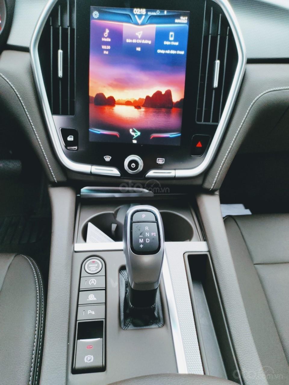 VinFast Lux A 2.0 2021 ưu đãi trên 300tr, hỗ trợ vay 90%, đủ màu, xe sẵn giao ngay, thuế 0đ (7)