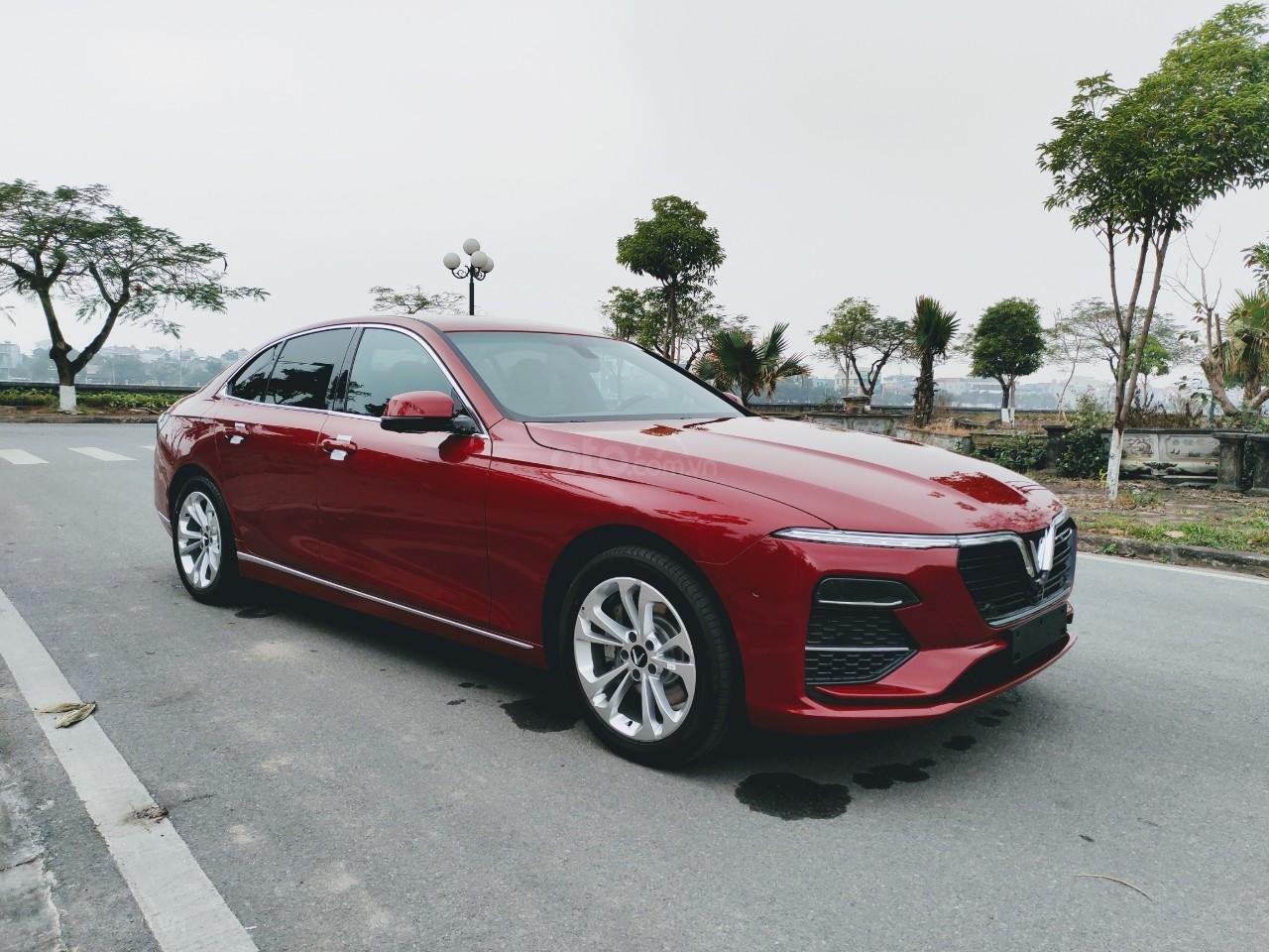 VinFast Lux A 2.0 2021 ưu đãi trên 300tr, hỗ trợ vay 90%, đủ màu, xe sẵn giao ngay, thuế 0đ (1)