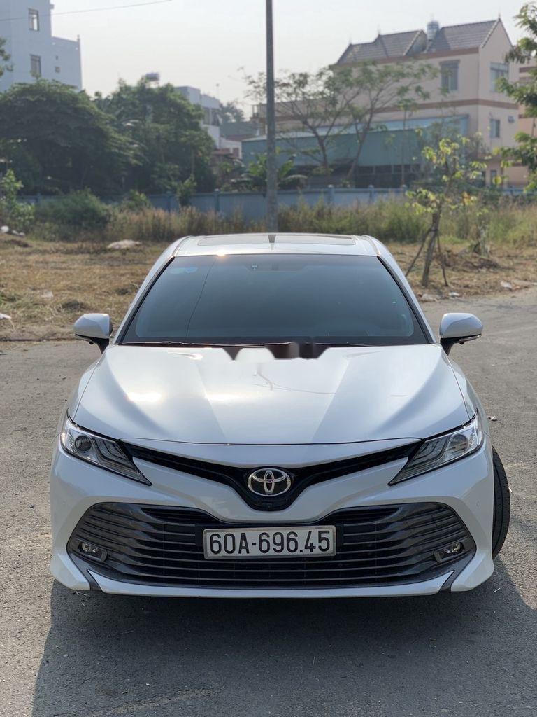 Bán ô tô Toyota Camry đời 2019, màu trắng, nhập khẩu  (1)