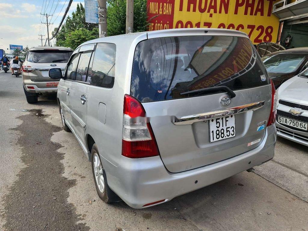 Cần bán xe Toyota Innova sản xuất 2013 chính chủ, 380 triệu (6)