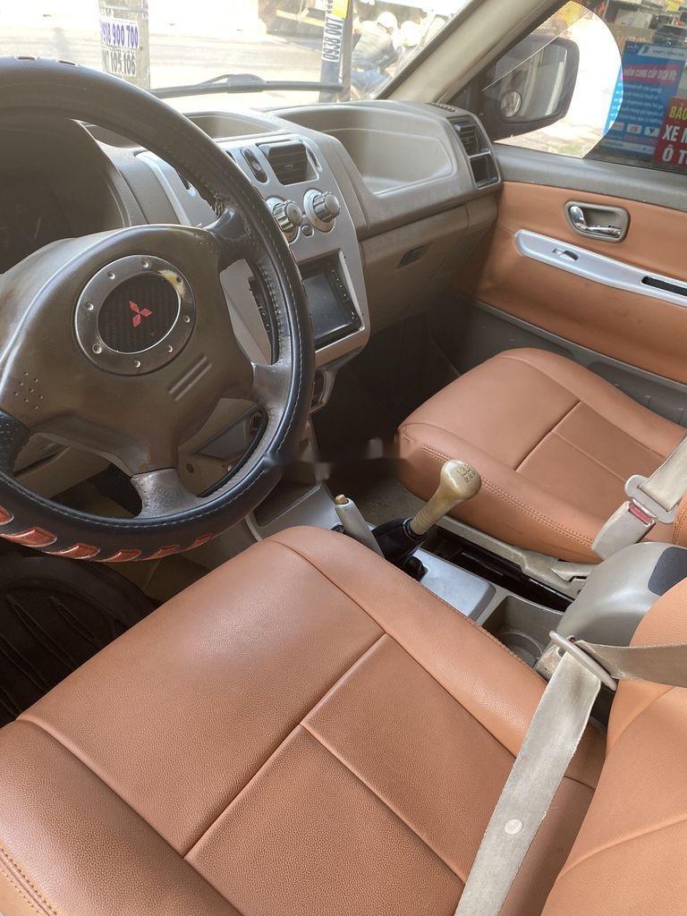 Cần bán gấp Mitsubishi Jolie năm 2004, hai màu đỏ - bạc (3)
