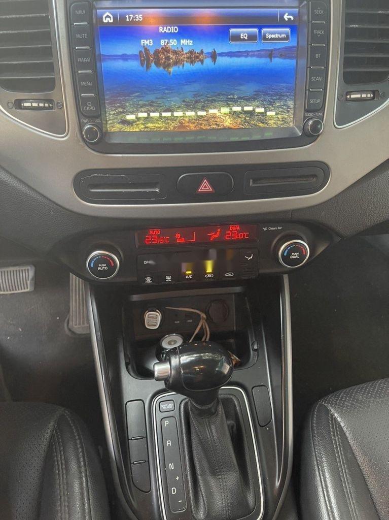 Cần bán Kia Rondo năm sản xuất 2016, màu trắng, nhập khẩu còn mới, 505tr (6)