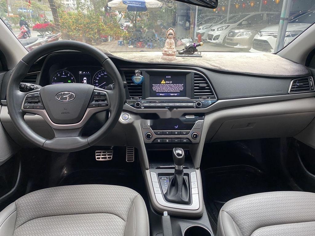 Cần bán lại xe Hyundai Elantra 2.0AT sản xuất năm 2016, 558 triệu (7)