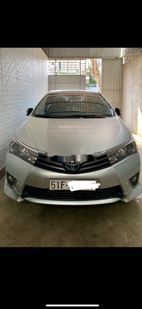 Bán ô tô Toyota Corolla Altis sản xuất 2015, nhập khẩu nguyên chiếc còn mới, giá tốt (1)