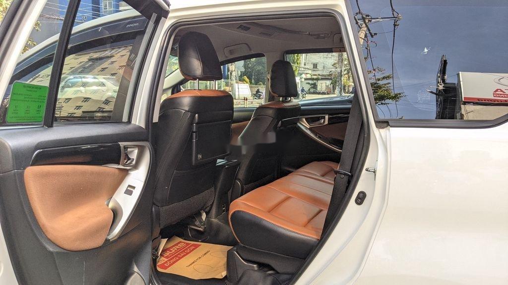 Cần bán gấp Toyota Innova sản xuất năm 2018, giá tốt (7)