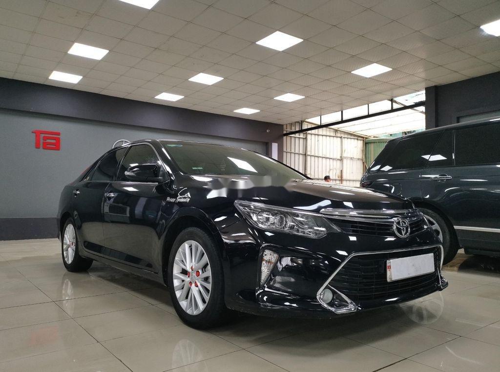 Bán Toyota Camry 2.0E sản xuất năm 2019 còn mới (2)