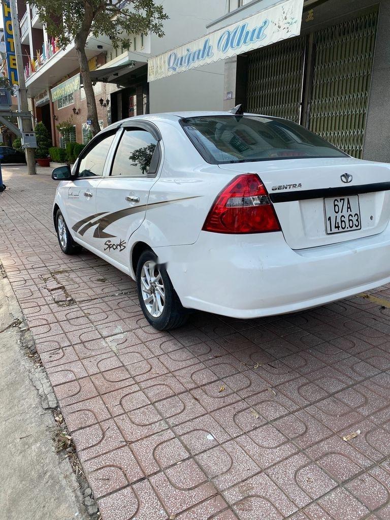 Bán xe Daewoo Gentra 2009, màu trắng còn mới (11)
