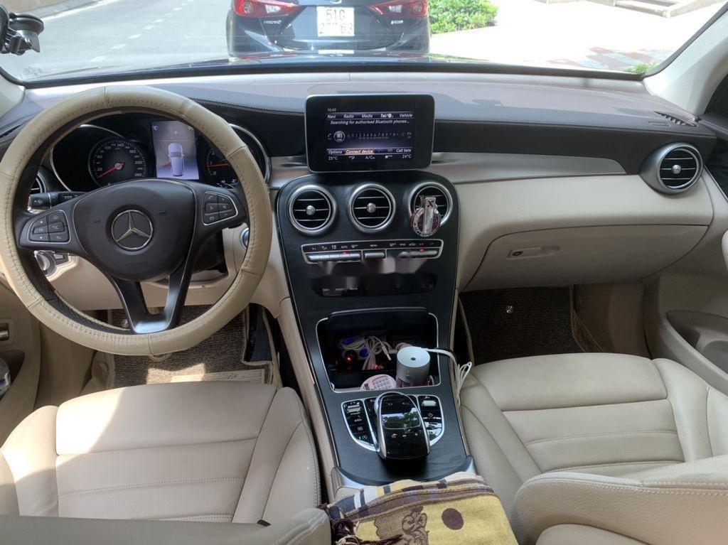 Cần bán xe Mercedes GLC 300 sản xuất năm 2019 (5)