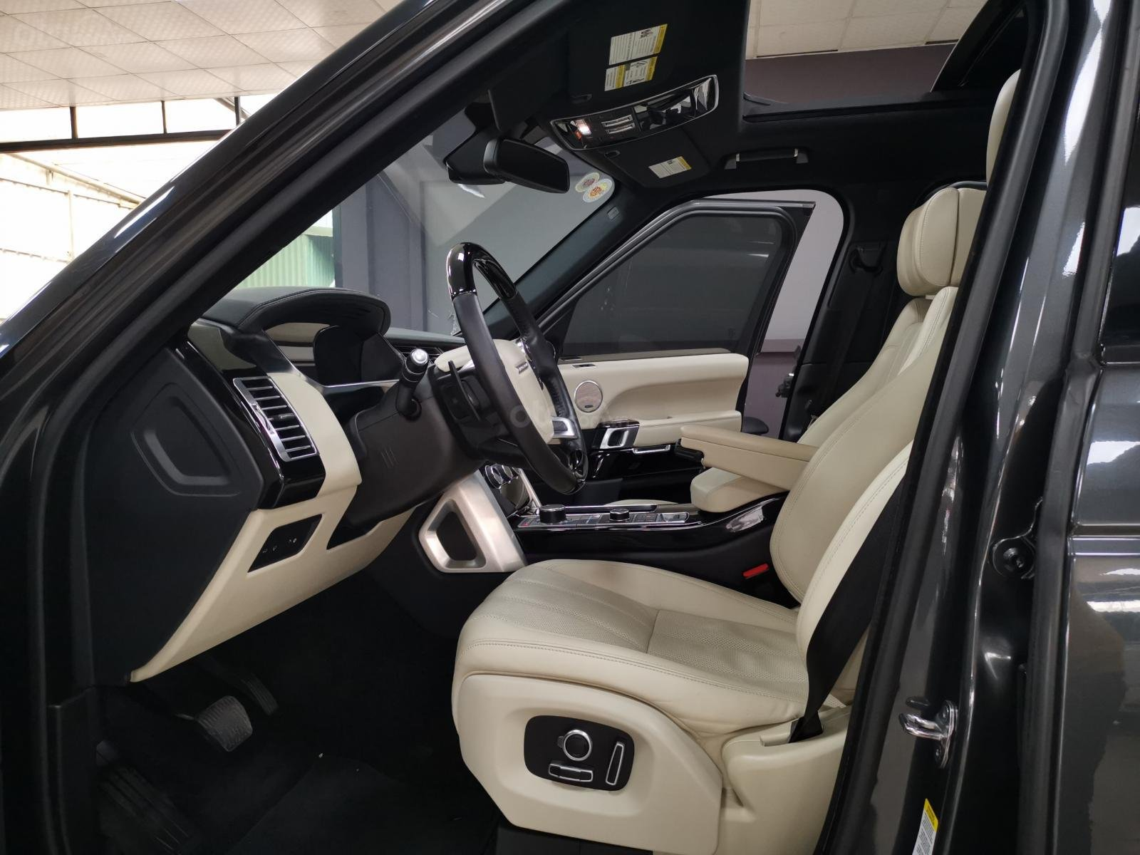 Bán nhanh chiếc LandRover Ranger Rover model 2019 (5)