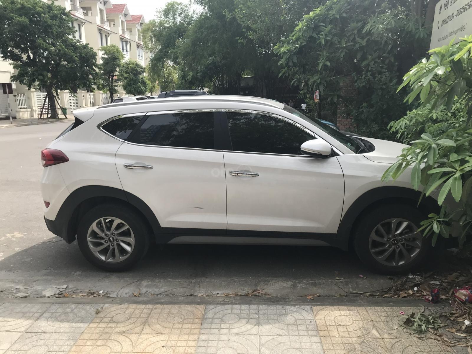 Cần bán Hyundai Tucson máy xăng đầu 2018 (1)