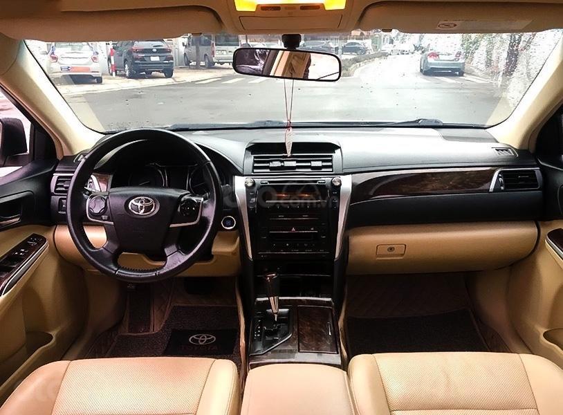 Xe Toyota Camry 2.0 E sản xuất năm 2016, màu vàng còn mới (5)