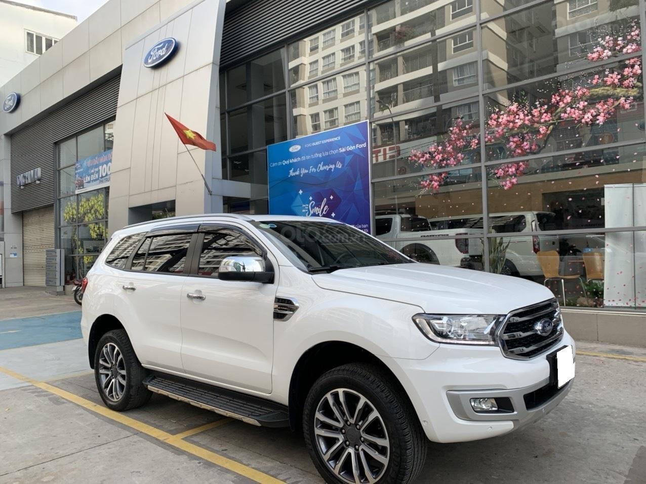 Ford Everest Titanium Biturbo 2019 trắng, xe đẹp cho mọi người (3)