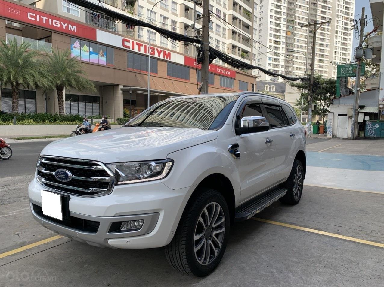 Ford Everest Titanium Biturbo 2019 trắng, xe đẹp cho mọi người (4)