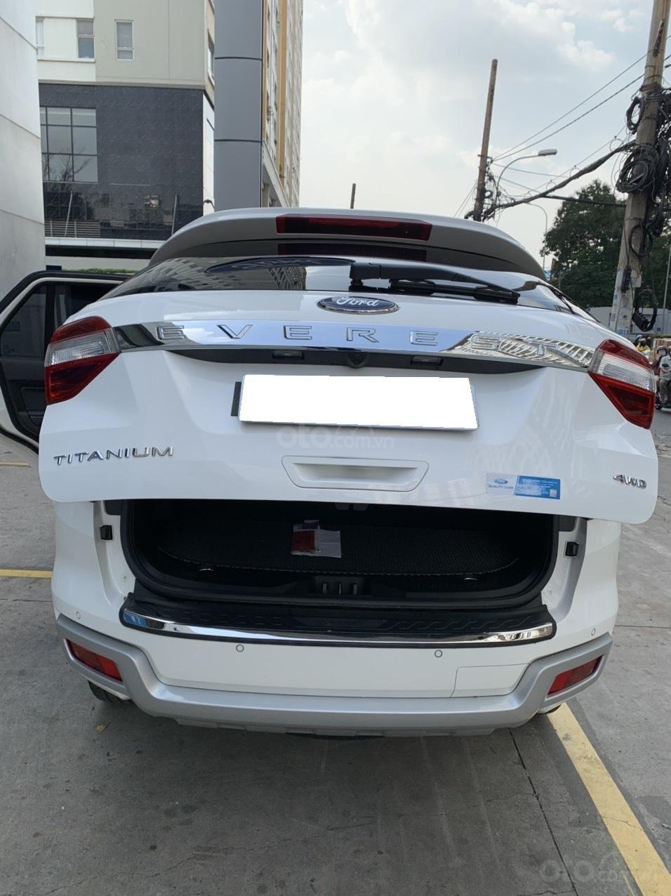 Ford Everest Titanium Biturbo 2019 trắng, xe đẹp cho mọi người (13)