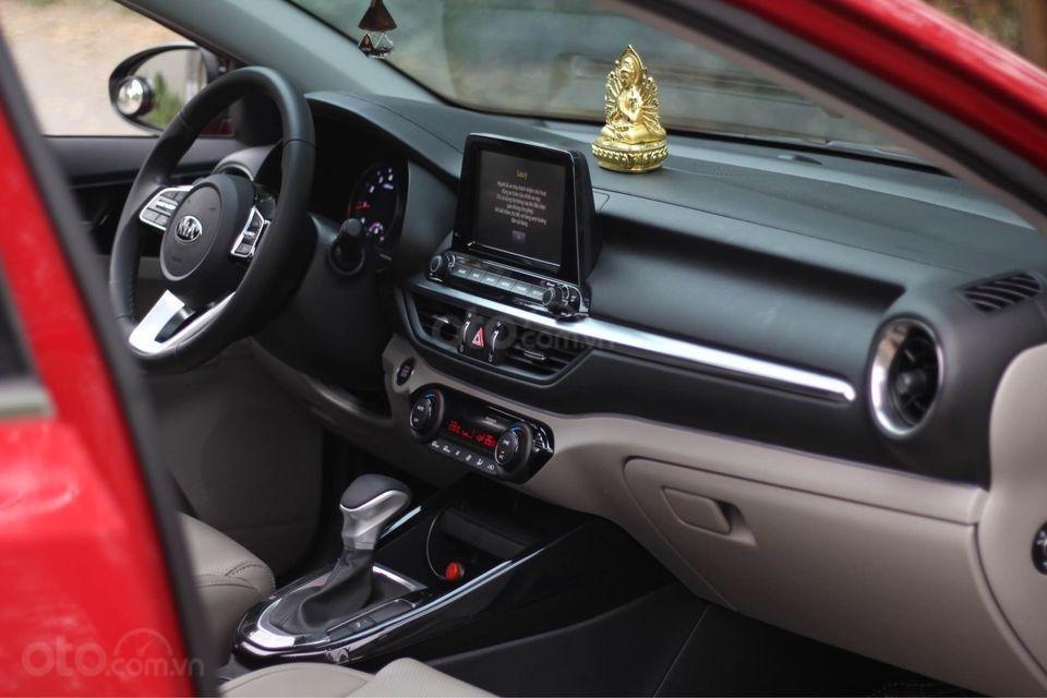 Cần bán ô tô Kia Cerato sản xuất năm 2020, màu đỏ chính chủ (3)