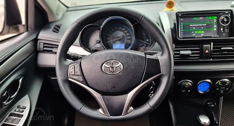 Xe Toyota Vios sản xuất 2016, màu vàng cát (5)
