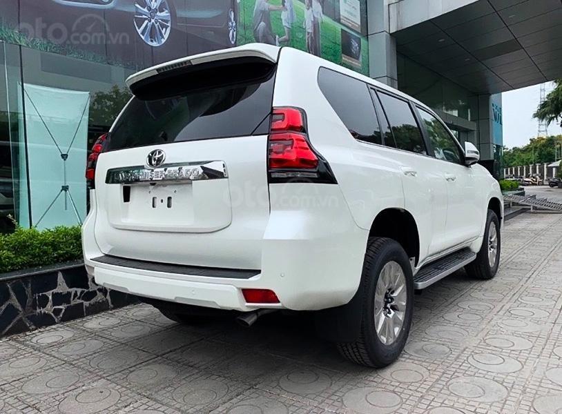Cần bán Toyota Prado sản xuất 2021, màu trắng, xe nhập (4)