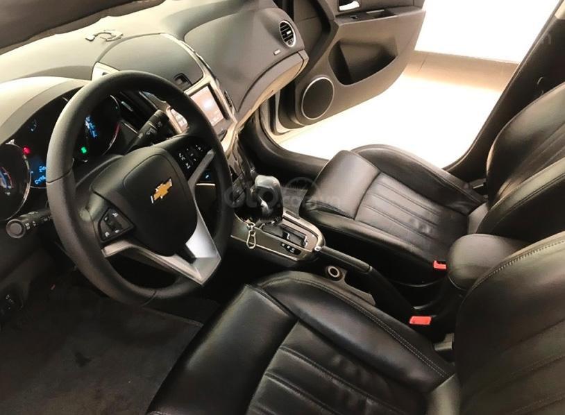 Xe Chevrolet Cruze 1.8 LTZ đời 2017, màu trắng, số tự động, 465tr (4)