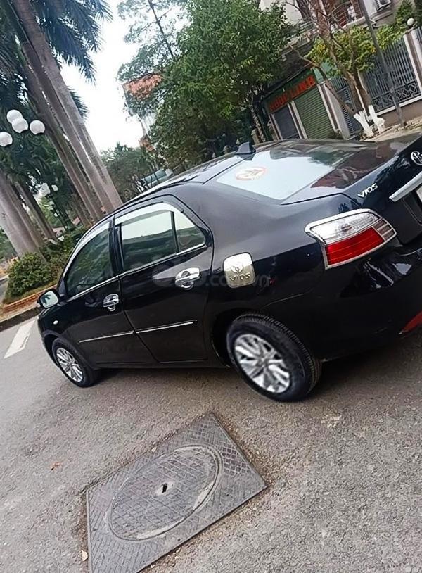Bán Toyota Vios năm sản xuất 2010, màu đen chính chủ (4)