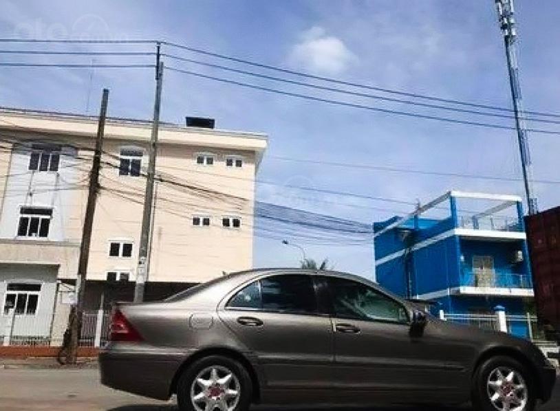 Cần bán Mercedes C200 - 2001 sản xuất 2001, màu xám (2)