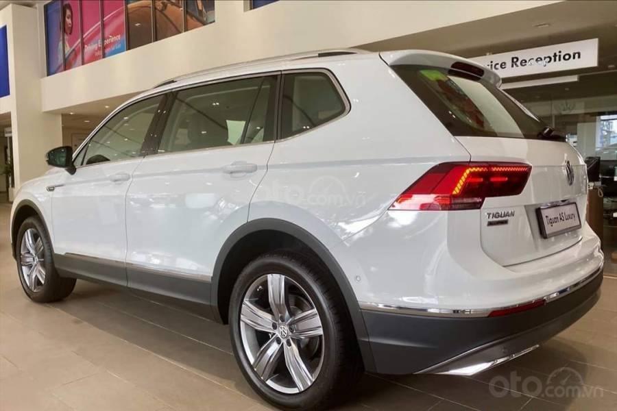 Xe Volkswagen Tiguan Luxury màu Trắng, giảm trước bạ +tặng gói phụ kiện lên đến 40tr (10)