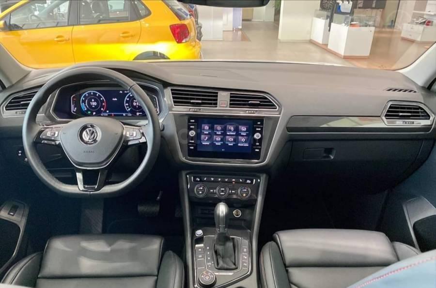 Xe Volkswagen Tiguan Luxury màu Trắng, giảm trước bạ +tặng gói phụ kiện lên đến 40tr (11)