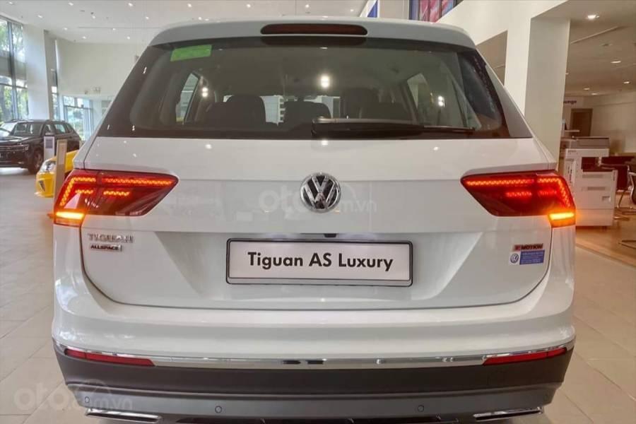 Xe Volkswagen Tiguan Luxury màu Trắng, giảm trước bạ +tặng gói phụ kiện lên đến 40tr (15)
