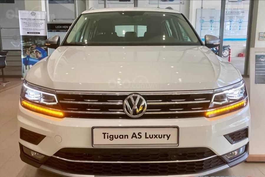 Xe Volkswagen Tiguan Luxury màu Trắng, giảm trước bạ +tặng gói phụ kiện lên đến 40tr (14)