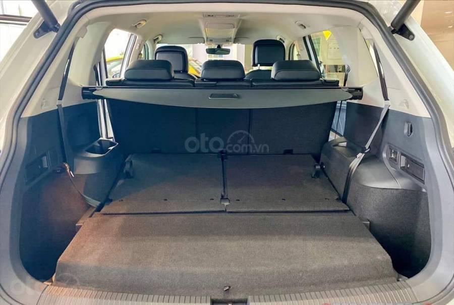 Xe Volkswagen Tiguan Luxury màu Trắng, giảm trước bạ +tặng gói phụ kiện lên đến 40tr (13)