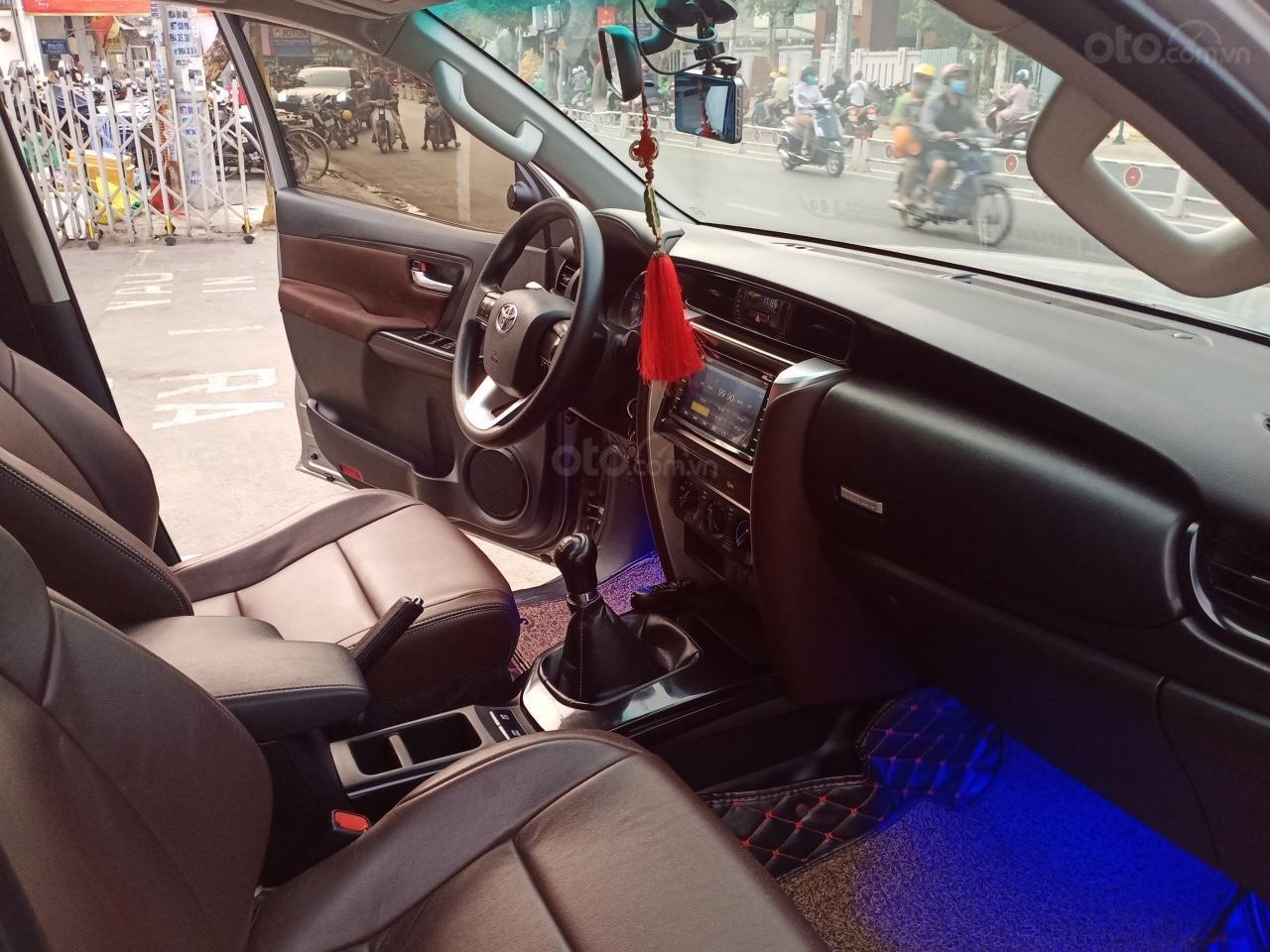 Cần bán lại xe Toyota Fortuner 2.4G 4x2MT năm 2017, giá 900tr (8)