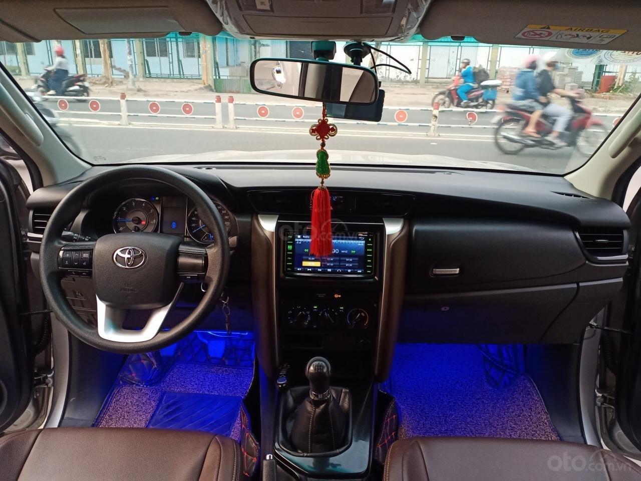 Cần bán lại xe Toyota Fortuner 2.4G 4x2MT năm 2017, giá 900tr (10)