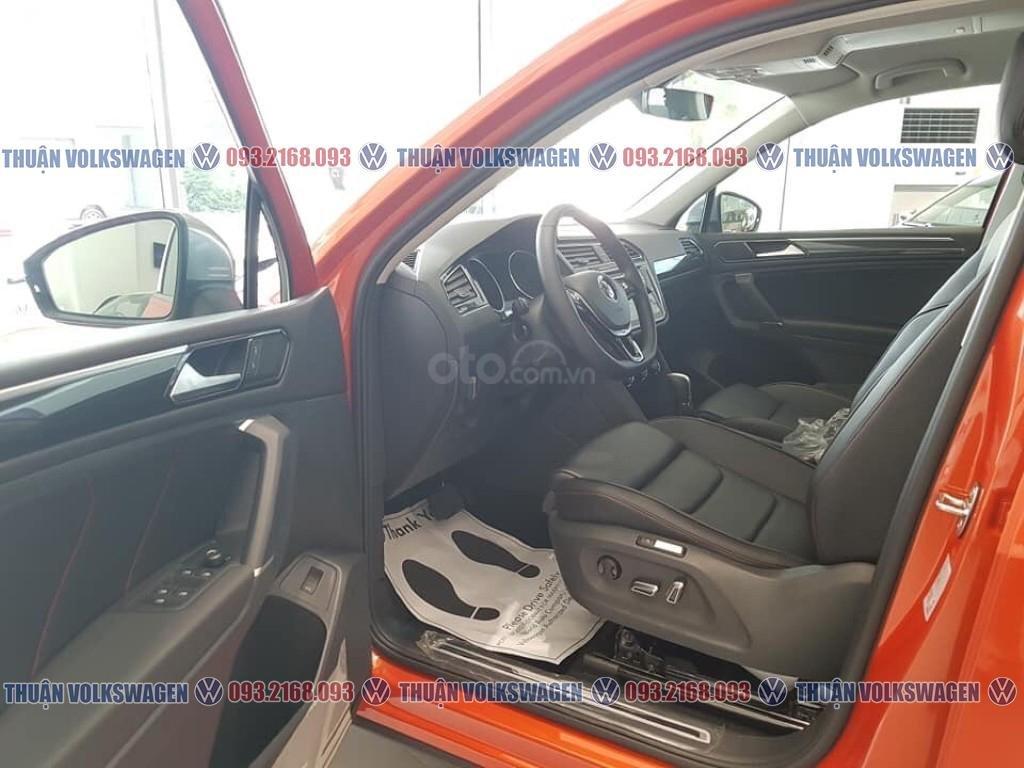 Khuyến mãi tháng 2/2021 Volkswagen Tiguan Luxury màu cam giảm cực khủng 120 triệu tiền mặt+ gói quà tặng cực hấp dẫn (7)
